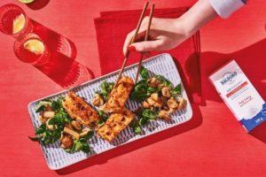 Tofuschnitzel mit Haselnuss-Panade und Pilzsalat